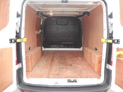 2015-Short Medium Van eg. Ford Custom Low Roof