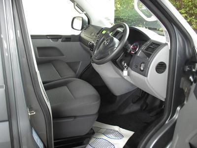 2015/16-5/6 Seater Medium Kombi Van eg. VW eg. VW Transporter