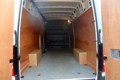 2015/16-Extra Large Van eg. VW Crafter CR35 (4.3m load length)