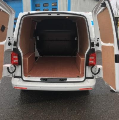 2017/18-Short Medium Van eg. VW Transporter T28 SWB Van