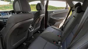 2016/17-Medium eg. Hyundai Tucson CRDi SE Nav Blue Drive