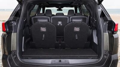 2020-Large Premium eg. Peugeot 5008 7 seat Puretech GT-Line Premium