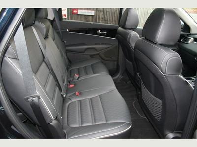 2019-Large Premium SUV eg. Kia Sorento CRDi GT-Line S Auto (7 Seater)