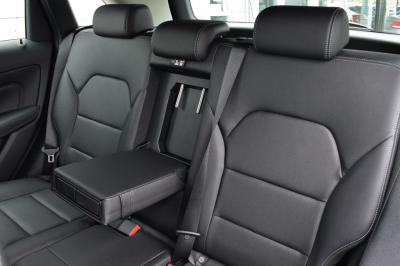 2017-Medium / Large  Premium Auto eg. Mercedes B200CDi Sport