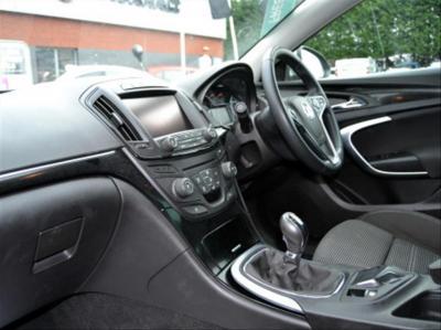 2017-Large eg. Vauxhall Insignia 2.0CDTi SRi Nav