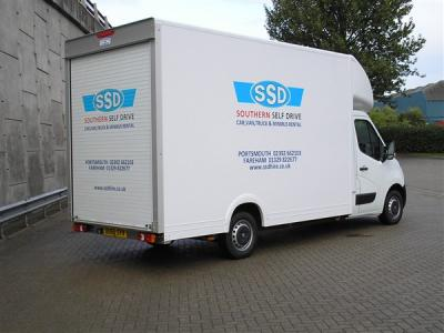 3.5 Tonne Low Load eg-Vauxhall Movano 35 L3 Luton Van