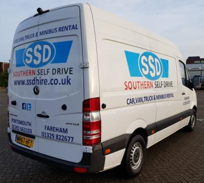 Large Van eg-Mercedes Sprinter 314CDi (3.2m Load Length)
